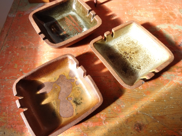 ashtray trio